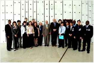 The Students with Dr. Hans Blix, WFUNA President and John Cox and Robert Berg